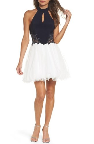 Blondie Nites Women's Keyhole Applique Fit And Flare Dress 52MtyHwXD9