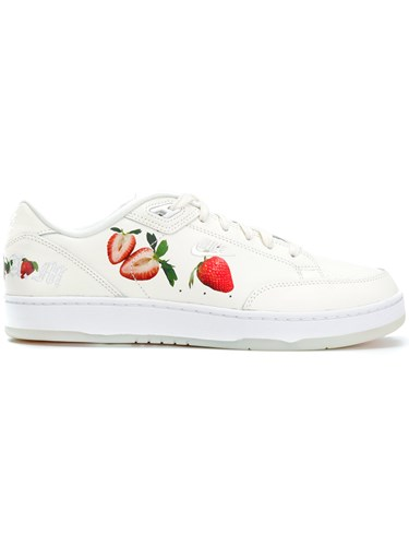 Nike Strawberry Print Sneakers White VoPaN