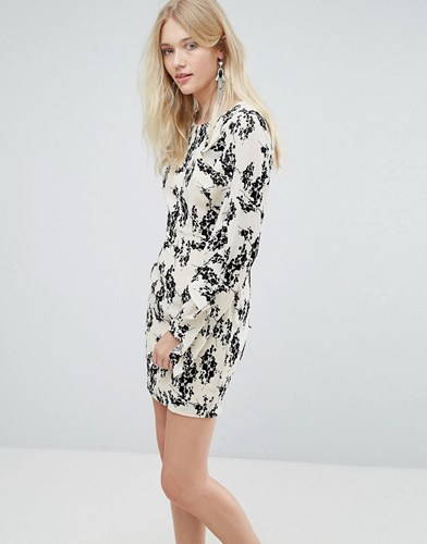 Liquorish Dress With Flocked Floral Print And Ruffle Sleeves Cream And Black JyhWbwO
