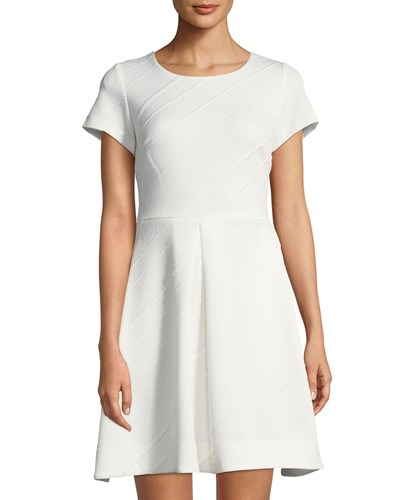 Taylor Short Sleeve Textured Fit And Flare Dress Ivory XQom4