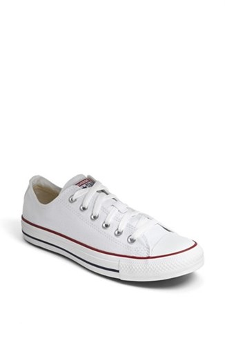 Converse Women's Chuck Taylor Low Top Sneaker Optic White LHcnD
