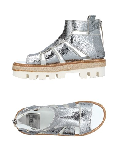 LOCKER 41 Sandals Silver Iwageh