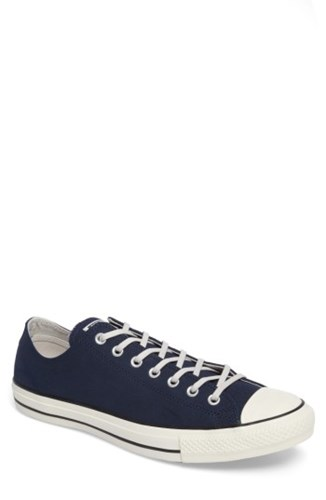 Converse Men's Chuck Taylor All Star Low Top Sneaker Navy ZRpoiMg