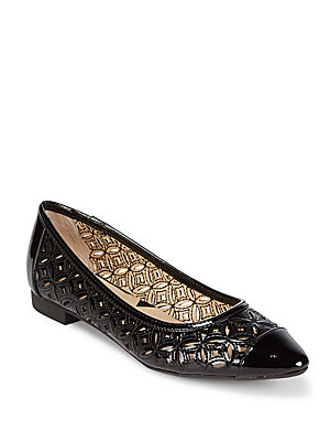 Adrienne Vittadini Point Toe Flats Black SMI4I8d24