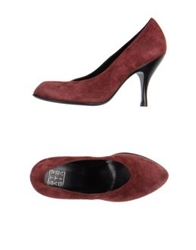 Strategia Pumps Maroon