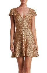 Dress The Population Women's Georgina Sequin Fit And Flare Carmel Gold