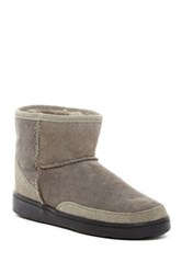 Minnetonka Genuine Sheepskin Ankle High Pug Boot Women Gray
