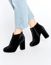 New Look Velvet Heeled Ankle Boot Black
