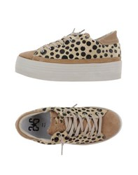 2Star Footwear Low Tops And Trainers Women Beige