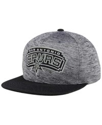 Mitchell And Ness San Antonio Spurs Space Knit Snapback Cap Gray Heather