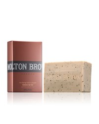Recharge Black Pepper Bodyscrub Bar Molton Brown