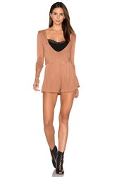 Nytt Low Front Romper Tan