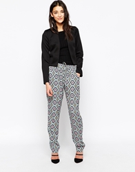 Vero Moda Loose Fit Trousers In Aztec Print Southamericanikat