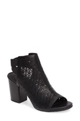 Kenneth Cole Reaction Fridah Fly 2 Bootie Black