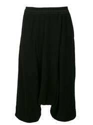 Julius Cropped Trousers Black