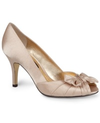 Nina Forbes Evening Pumps Women's Shoes Gold