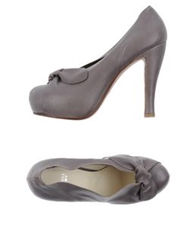 Michel Perry Pumps Lead