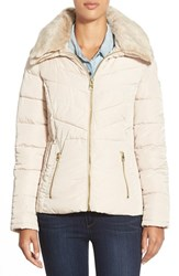 Women's Guess Faux Fur Collar Quilted Jacket Champagne