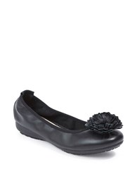 Me Too Round Toe Flower Topper Pumps Black