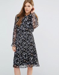 Yumi Long Sleeve Pleated Dress With Frill Sleeve Black