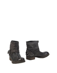 Oto Ankle Boots Black