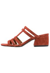 Vagabond Saide Sandals Rusty Red Brown