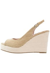 Refresh Wedge Sandals Beige