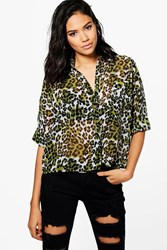 Boohoo Laila Leopard Print Crop Pocket Shirt Green