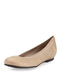 Munro American Ashlie Crosshatch Leather Flat Gold