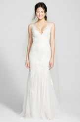 Women's Bliss Monique Lhuillier Chantilly Lace And Tulle Gown Silk White Latte