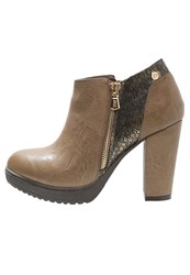 Xti Platform Boots Taupe