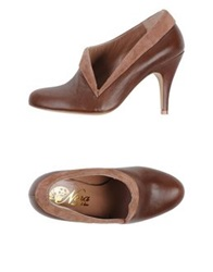Nora Pumps Brown