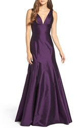 Monique Lhuillier Bridesmaids Women's Deep V Neck Taffeta Trumpet Gown