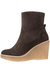 Bullboxer High Heeled Ankle Boots Dark Brown