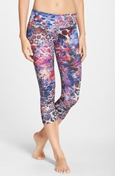 Women's Onzie Low Rise Capris Rainforest