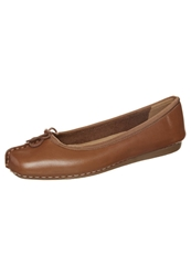Clarks Freckle Ice Ballet Pumps Dark Tan Leather Brown