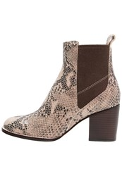 Clarks Othea Ruby Boots Sand Beige