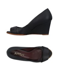 Avril Gau Pumps Black