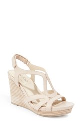 Me Too Women's Wedge Sandal Wheat Leather