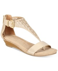 Kenneth Cole Reaction Great Gal Wedge Sandals Women's Shoes Soft Gold