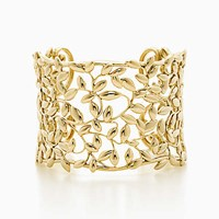Tiffany And Co. Paloma Picasso Olive Leaf Cuff In 18K Gold Medium.