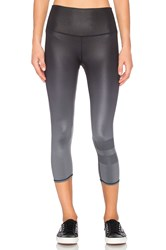 Alo Yoga High Waist Airbrush Capri Black