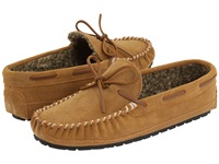 Minnetonka Casey Slipper Cinnamon Suede Men's Moccasin Shoes Tan
