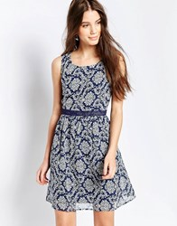 Qed London Printed Dress With Contrast Collar Blue