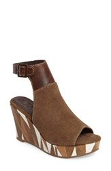 Matisse Women's Harlequin Wedge Sandal Taupe Leather