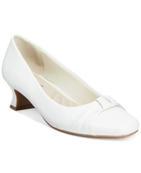 Easy Street Shoes Easy Street Waive Pumps Women's Shoes White