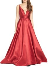 Ieena For Mac Duggal Women's Plunging Sweetheart Neck Ballgown
