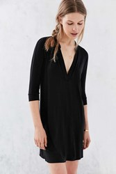 Silence And Noise Silence Noise Plunging Collared T Shirt Dress Black