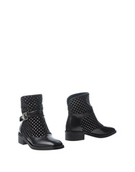 Rebeca Sanver Ankle Boots Black