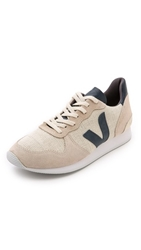 Veja Holiday Low Sneakers